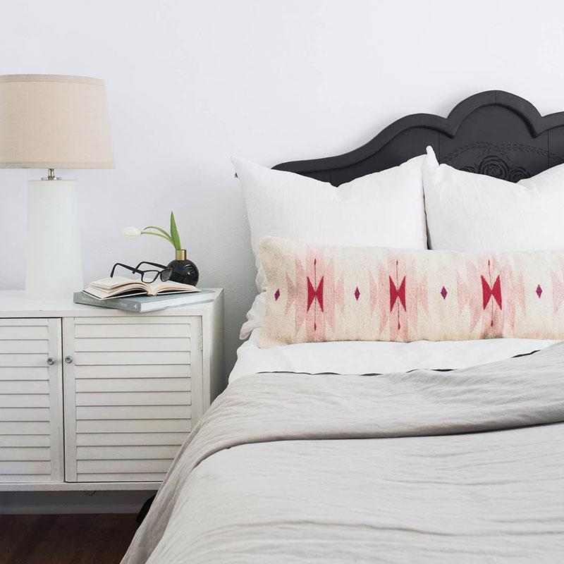 Suelo Lumbar Pillow