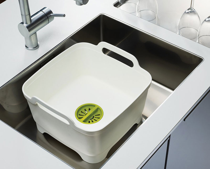 Joseph Joseph Wash & Drain – Washing up bowl with plug