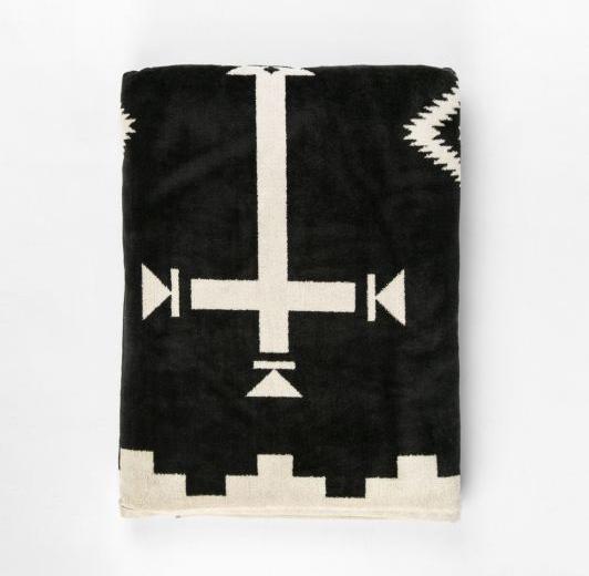 206-xb233-55059-pendleton-oversized-jacquard-towel-black-los-ojos-1