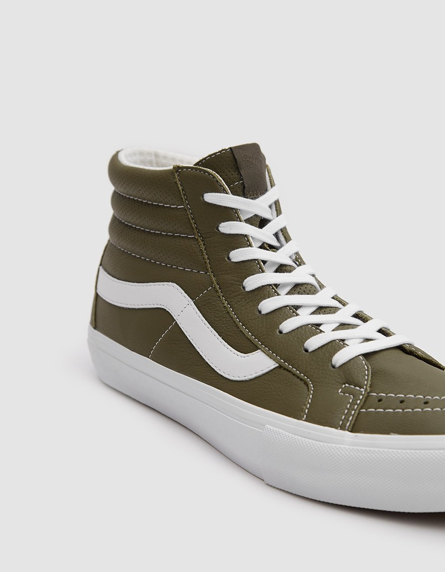 VAULT BY VANS Italian Leather SK8-HI Reissue VLT LX Shoe in Muschio