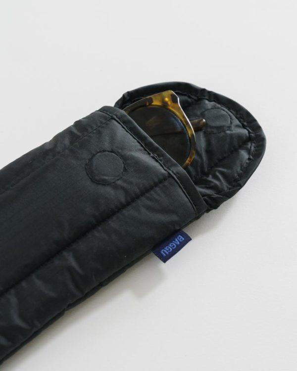 BAGGU Puffy Glasses Sleeve in Black