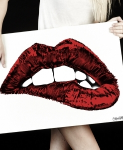 LAUREN MOSHI CANVAS COLOR BITING LIP ART